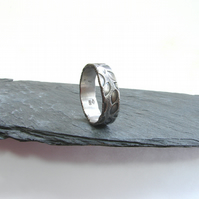 mens band oxidised silver textured with leaf pattern