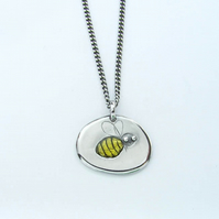 Small Bee pendant, in silver with yellow resin