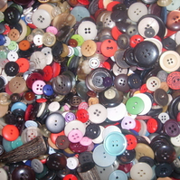 100g Mixed Vintage Buttons