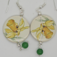 Daffodil ceramic earrings with jade drop