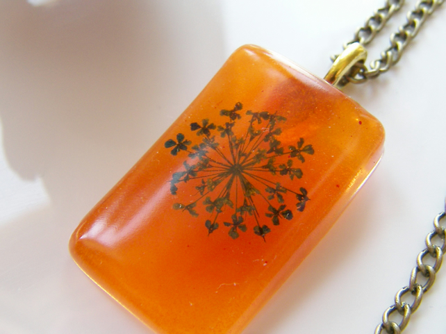 Queen Annes Lace Necklace in Resin Botanical Flower - LACE