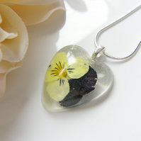 Real Flower Necklace in Resin - VIOLA