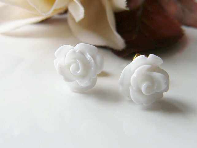 Dainty White Rose Earrings - SNOW WHITE