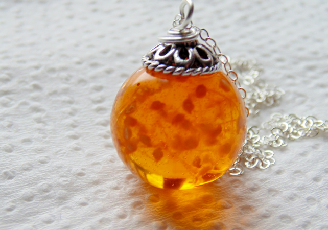 Amber Resin Flower Necklace