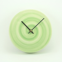 Pastel green clock – medium