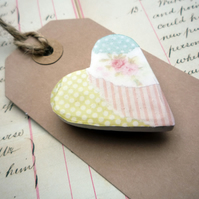 Perfect Valentine's day Present -Pretty Heart Collage Floral Magnet