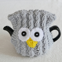 1 - 2 Cup Hand Knitted Owl Tea cosy Pot Cover