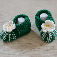 0-3 Months Baby Girl Bottle Green and Cream Flower Booties
