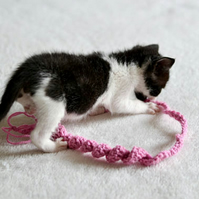 1 Kittens Cat Twist Toy - Choose your colour