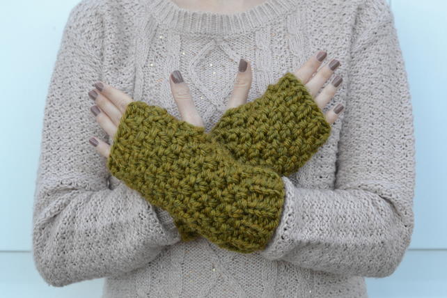 Olive Green Super Chunky Knitted Fingerless Gloves