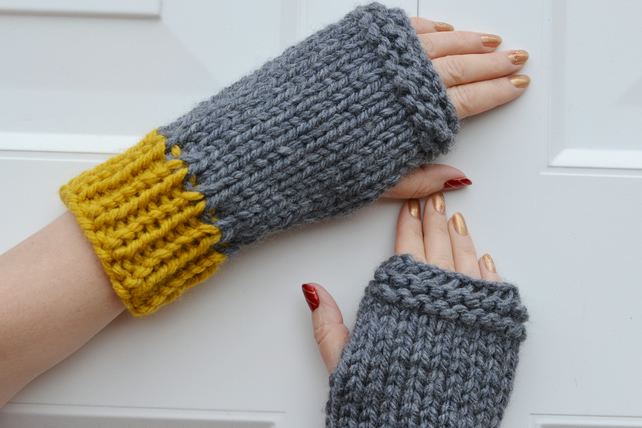 Womens Knitted Super Chunky Gloves, Mustard Grey ,Mens Gloves, Small to Medium