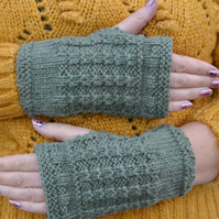 Aran Sage Green Knitted Fingerless Gloves