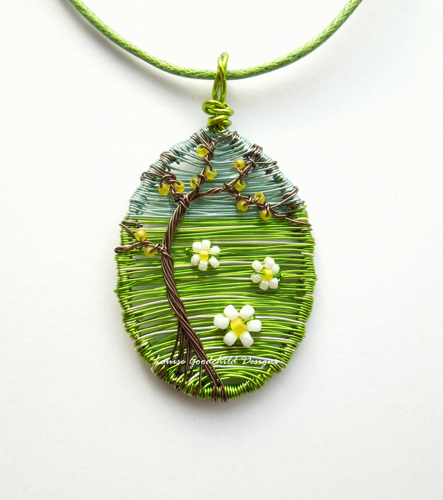 Daisy necklace, wire pendant, daisies, wire tree necklace, summer, MADE TO ORDER