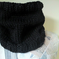 The Boyfriend Neckwarmer - Black
