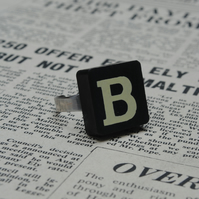 Keyword Ring - Letter B