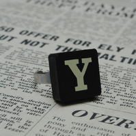 Keyword Ring - Letter Y