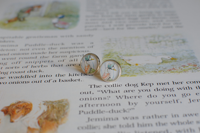 Beatrix Potter Character Earrings - Jemima Puddleduck