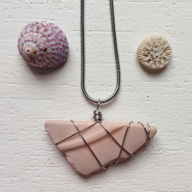 Candyfloss sea pottery necklace