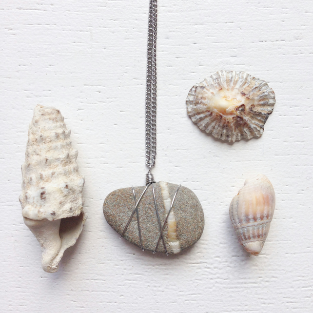 Grey and white streaked beach pebble necklace