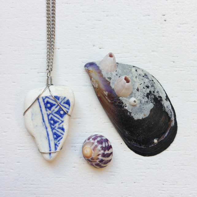 Willow patterned sea pottery necklace