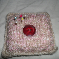 Pin Cushion knitted in beige and pink