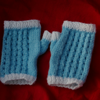 Fingerless Mittens - knitting Pattern 2