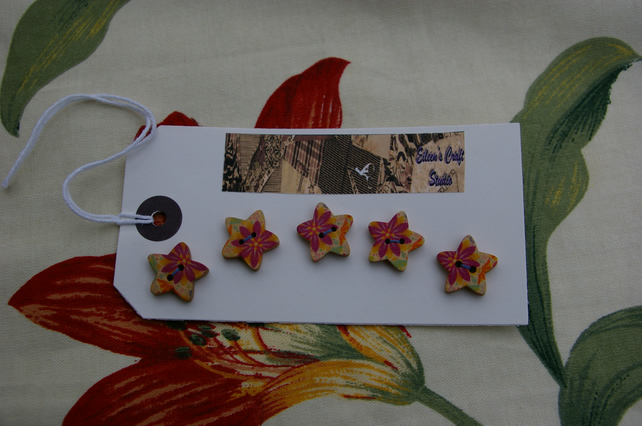 Buttons five wooden star buttons
