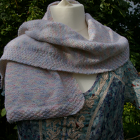 Scarf hand knitted in varigated yarn
