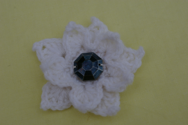 Brooch White Crochet Flower