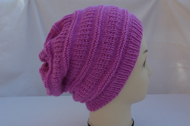 Hat knitted in Dusty Pink