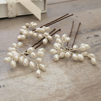 Bud Pearl Bridal Hair Pins - Ivory Freshwater Pearl Hair Clips Set of 3