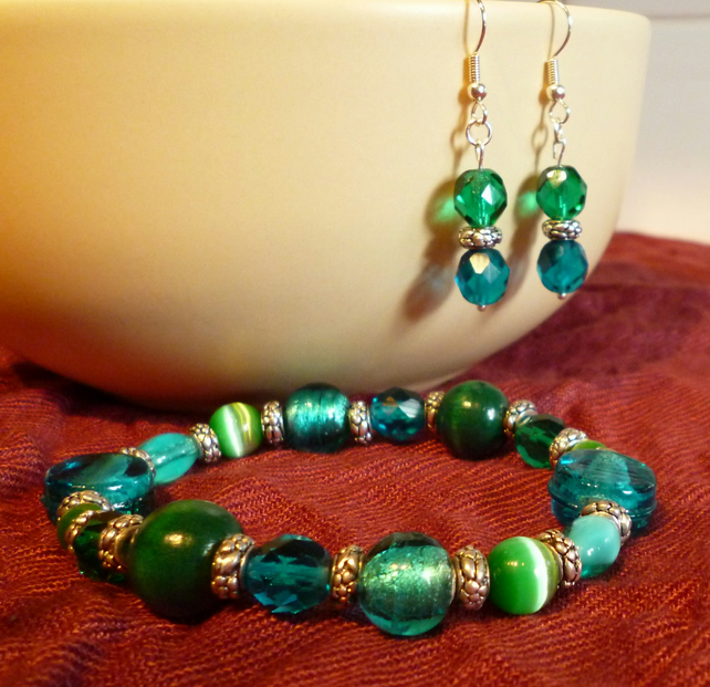Dark Green Multi-Bead Bracelet & Earrings Jewellery Set