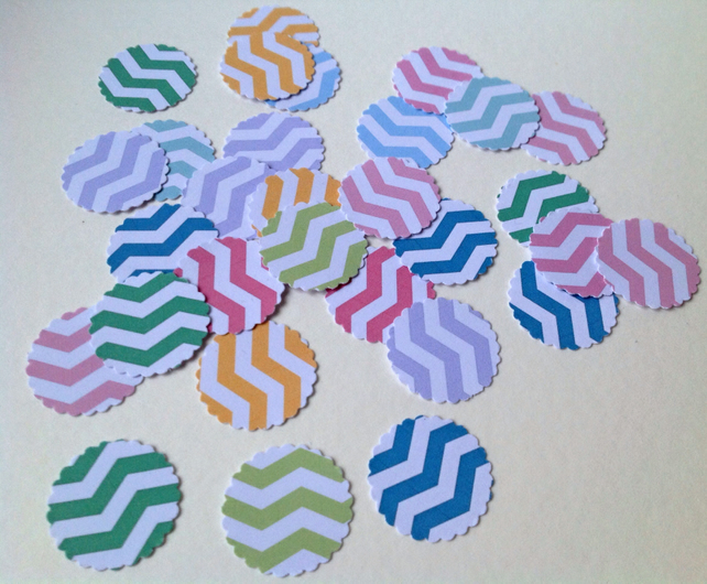 Card Scalloped Edge Circle Shapes,Chevron Print,Assorted Colours,100pk