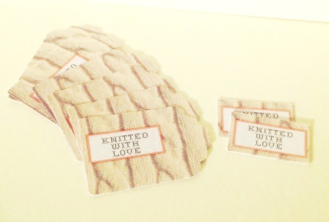 Label Style Message Tags Pack of 30,'Knitted with Love'Tags
