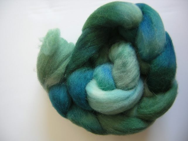 HAND DYED WHITE FACE WOODLAND TOPS - POND  100G