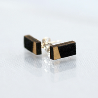 Rectangle Stud earrings in gold and black
