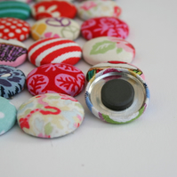 Fabric button fridge magnets (pack of 6)