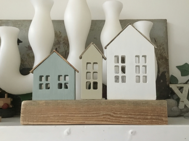3 Houses on chunky rustic wood base with 3 x tea light holders