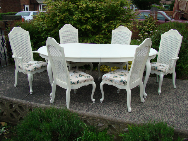 Shabby Chic French Style Vintage Dining Table 6 Bergere Chairs