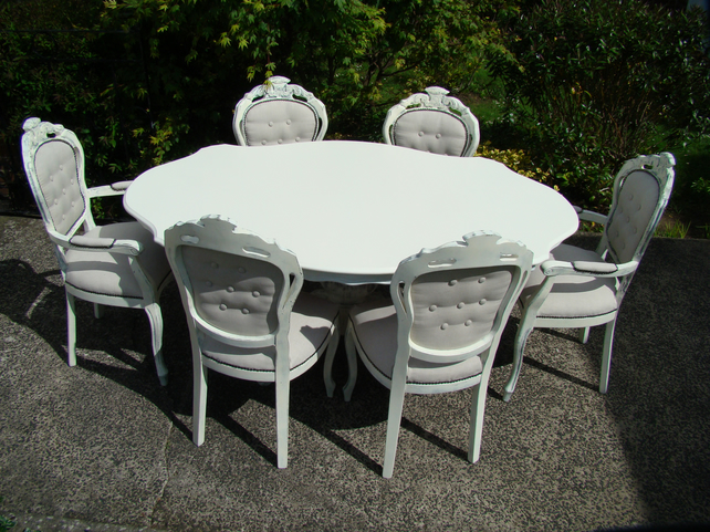 shabby chic louis style dining table 6 carved button backed linen chairs - Shabby Chic Dining Table And Chairs