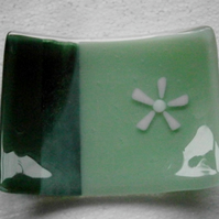 Fused glass soap dish with pretty daisy detail