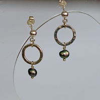 hammered circles with peacock pearls Earrings