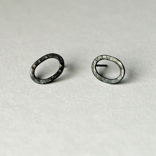 Oxidized hammered sterling silver oval studs - minimalist earrings