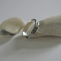 Sterling Silver Men's Ring with Circle Detail, 5mm wide rings