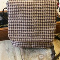 Ladies tweed saddle bag