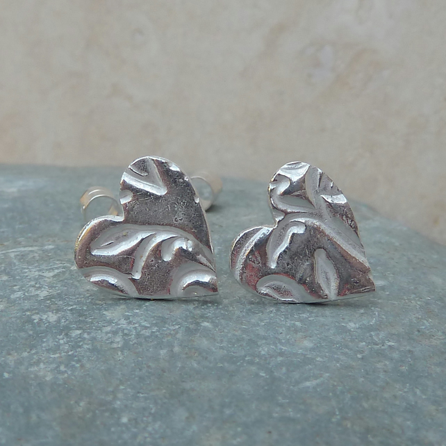 Fine Silver Leaf Patterned Heart Stud Earrings - STUD045