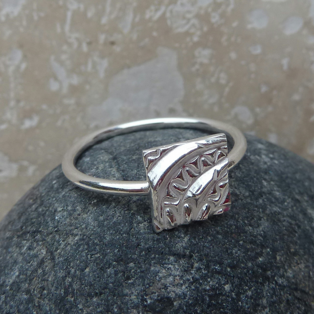 Sterling Silver Square Patterned Charm Ring - UK Size O - RNG002