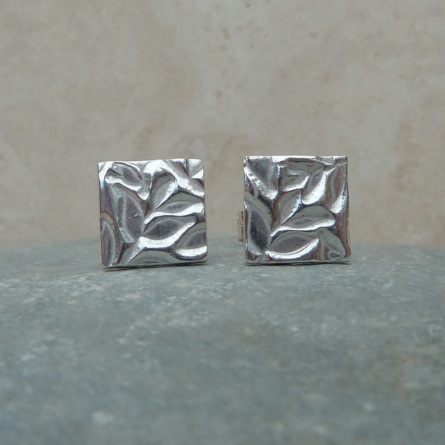 Fine Silver Patterned Square Stud Earrings - STUD074