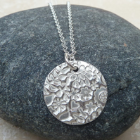 Sterling Silver 20 mm Flower Patterned Pendant Necklace - PEN014