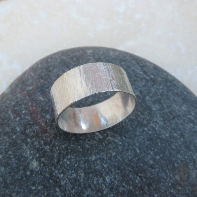 Sterling Silver Wide Textured Hammered Ring Band - UK Size P - RNG025